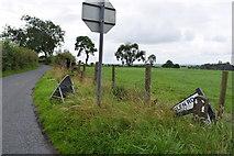 H5472 : Damaged road sign along Roeglen Road by Kenneth  Allen