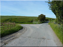 SJ1430 : Junction of roads at Llidiart-cae-hir by Richard Law