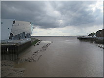 TA1028 : Mouth of the River Hull by Rudi Winter
