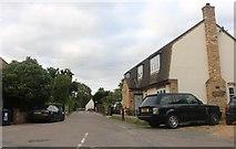 TL2871 : Manor Lane, Hemingford Abbots by David Howard