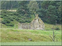 NH8621 : Ruin at Inverlaidnan by Anne Burgess