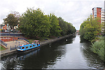 SK5803 : Grand Union Canal, Leicester by Jim Barton