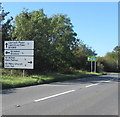 ST0267 : Directions and distances sign alongside the B4265 on the eastern approach to St Athan by Jaggery