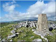 SD8067 : Rocks and trig point at summit of Smearsett Scar by Trevor Littlewood