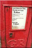 SX9066 : Postbox, Barton Hill Road, Torquay by Derek Harper