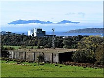 NS2052 : Isle of Arran from Hunterston, North Ayrshire by Raibeart MacAoidh