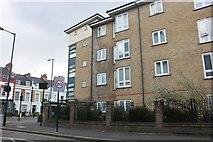 TQ3384 : Flats on Richmond Road, Dalston by David Howard