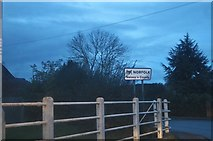 TF4707 : Entering Norfolk on High Road, Elm by David Howard