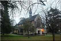 TL0506 : St John the Evangelist Church, Hemel Hempstead by David Howard