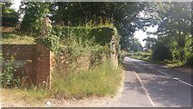 SU6349 : Farleigh Road by Shaun Ferguson