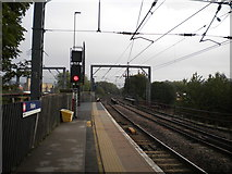 SE1537 : North east end of platform 3, Shipley railway station by Richard Vince