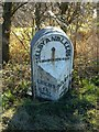 SE5330 : Milestone near Monk Fryston by Alan Murray-Rust