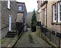 SE1039 : Ferrand Lane, Bingley by habiloid