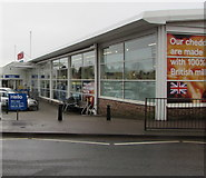SO6302 : Hello at the entrance to Tesco, Lydney by Jaggery