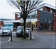 SS7597 : Hi Coffee Express, Station Square, Neath by Jaggery