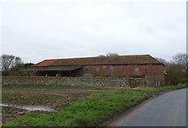TA3719 : Farm building, Skeffling by JThomas