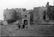 SN0403 : Carew Castle, 1954 – 2 by David M Murray-Rust
