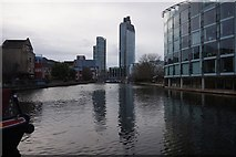 TQ3283 : City Road Basin, Regent's Canal by Ian S