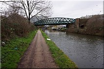 TQ2182 : Grand Union Canal at Kew Curve Bridge by Ian S