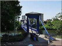 NS5964 : St Andrew's Suspension Bridge - Glasgow Green end by Stephen Craven