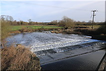 SK5815 : Weir on the River Soar by Andrew Abbott