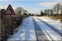 H5559 : Tracks in the snow, Garvaghy by Kenneth  Allen