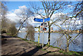 TQ2376 : Signposts on the Thames Path by Des Blenkinsopp