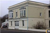 TQ1602 : Shoreline Court by Robert Eva