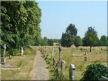 TQ0487 : Graveyard, Denham by Robin Webster