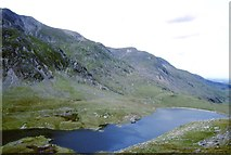 SH6459 : Llyn Idwal by Richard Webb