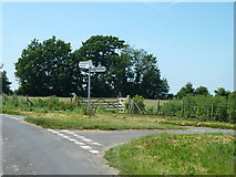TR2754 : Lane junction west of Upper Rowling Farm by Robin Webster
