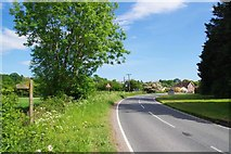 TM2130 : Approaching Ramsey on The Wrabness Rd by Glyn Baker