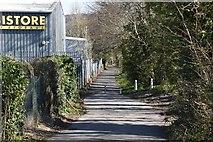 TQ6041 : Footpath behind North Farm Estate by N Chadwick