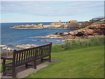 NT6779 : A Seat with a view near Dunbar War Memorial by Jennifer Petrie
