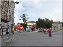 TM1714 : Pedestrianised area in Pier Avenue by Basher Eyre