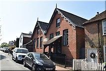 TQ5935 : Frant Primary School by N Chadwick