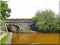 SJ8156 : Footbridge and pipe bridge below Church Locks by Stephen Craven