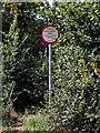 SO8883 : Bridleway sign near Norton in Stourbridge by Roger  Kidd