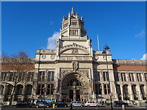 TQ2779 : Entrance to the Victoria and Albert Museum, Cromwell Road by Robin Sones