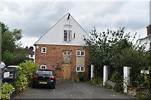 TQ1649 : Mill House by N Chadwick