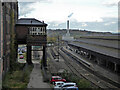 SE1416 : Huddersfield - different generations of distributed power by Chris Allen