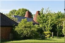 TQ6245 : Church Farm Oast by N Chadwick
