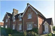 TQ6245 : Crockhurst Farm Cottages by N Chadwick