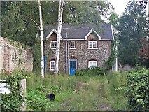 TL8564 : Bury St Edmunds Abbey precincts [36] by Michael Dibb