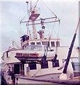 HY4411 : Loading aboard MV Syllingar by Gerald England