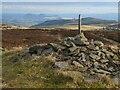 NT3832 : Summit cairn, Brown Knowe by Jim Barton