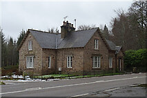 NJ3558 : Whitegates Lodge by Anne Burgess
