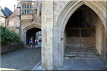 ST5545 : Vicar's Close (2) by Chris' Buet