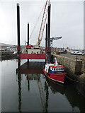 NS2975 : Haven Seariser 7 at Greenock by Thomas Nugent