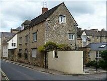 SP0202 : Cirencester houses [80] by Michael Dibb